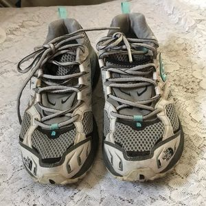 THE NORTH FACE SNEAKERS SIZE 8